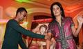 Akshay and Kats unveil Singh is Kinng paintings