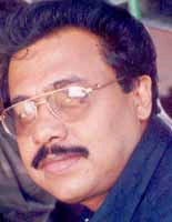 Nobody can stop me from making films: Vinayan