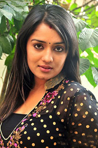 Nikitha to star along with Anushka, Karthi