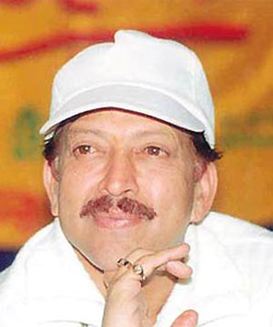 Vishnuvardhan fans force postponement of his 200th film