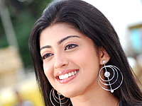 Kannada heroine Praneetha to act in Telugu movie