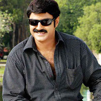 Balakrishna stuns everybody with his look in 'Sreerama Rajyam'