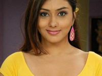 I am confortble working with Ravichandran: Namitha