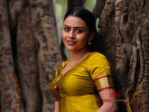 Dhanya Mary Varghese Wallpapers