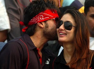 Bollywood stars love 'PDA'!