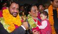 Rasool and  Irfan Khan receive a rousing welcome
