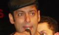 Salman Khan promotes Veer at college fest