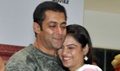 Salman dances with Kids at Veer Ka Darbar