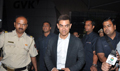 Aamir Khan Returns Back From Chicago After Dhoom 3 Schedule