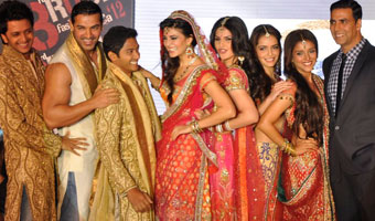 Housefull 2 team walks the ramp for Akki Narula