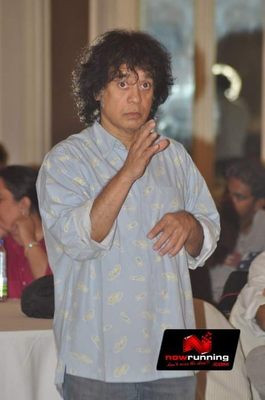 Picture 3 of Zakir Hussain