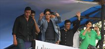 Shahrukh stirs up mass hysteria at 'Chennai Express' Promotions