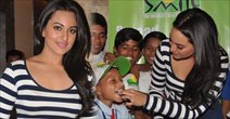 Sonakshi at Dabangg 2 Screening for Smile Foundation NGO Kids