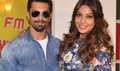 Bipasha & Karan Promote Alone On Radio Mirchi
