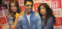 Alone Actors Bipasha Basu And Karan Singh Grover At 93.5 Red FM Studio