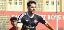 Dino Morea & others snapped playing football