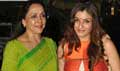 Hema Malini & Raveena Tandon Snapped At Airport