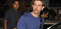 An Injured Hrithik Roshan Snapped In Bandra