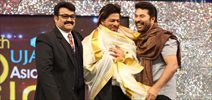 SRK Honoured at Asianet Awards