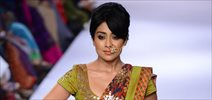 Shriya Saran walks for Sashikant Naidu at LFW 2014