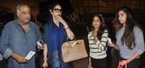 Sridevi Snapped With Boney Kapoor & Daughters