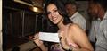 Sunny Leone Sells Ragini MMS 2 Tickets In Mumbai