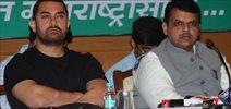 Aamir Khan And Devendra Fadnavis At Swacch Abhiyaan Launch