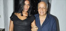 Aashiqui Fame Anu Agarwal Unveils Her Book With Mahesh Bhatt And Rahul Roy