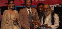 Anil Kapoor Recieves Dinanath Mangeshkar Award