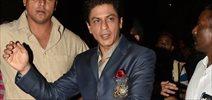 Shahrukh Khan Snapped On The Sets Of India Poochega Sabse Shaana Kaun