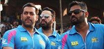 Salman Khan watches Mumbai Heroes match at CCL