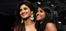 Shilpa Shetty walks the ramp for Divya Reddy at the Lakme Fashion Week 2015