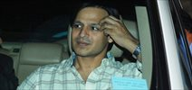 Vivek Oberoi meets fans from Karnataka waiting outside his house