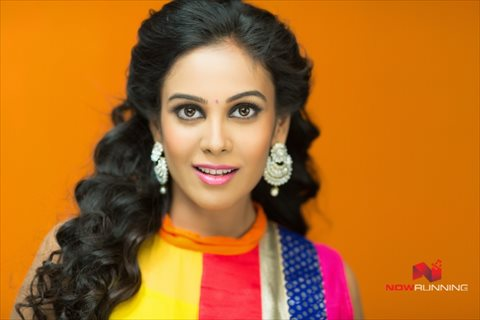 Picture 4 of Chandini Tamilarasan