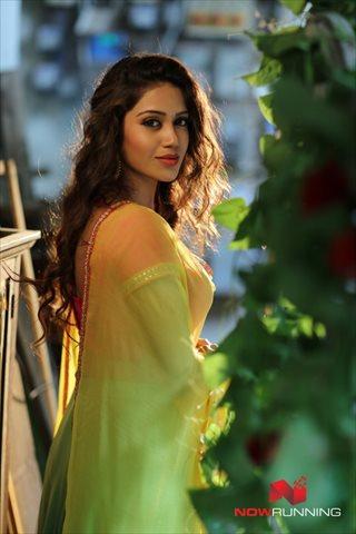 Picture 2 of Nivetha Pethuraj