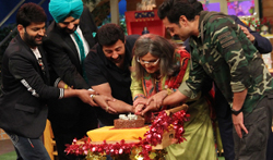 Ali Asgar celebrates his birthday with the Deols on the sets of The Kapil Sharma Show - Pictures
