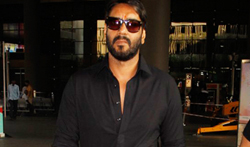 Ajay Devgn snapped at the airport - Pictures