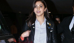 Anushka Sharma snapped at airport - Pictures
