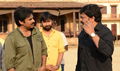 Chiranjeevi visits Sardaar sets Photos