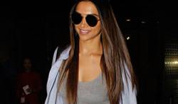 Deepika Padukone snapped at the Mumbai airport - Pictures