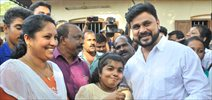 Dileep's visits the hospital and meet his ardent fan Sumi