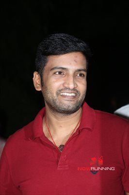 Picture 2 of Santhanam