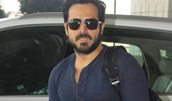 Emraan Hashmi snapped at the Mumbai airport - Pictures