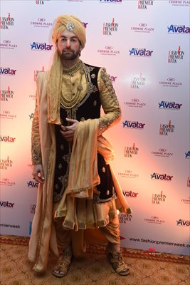 Picture 4 of Neil Nitin Mukesh