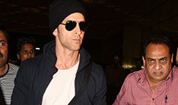 Hrithik Roshan snapped as he departs for Singapore - Pictures