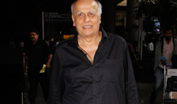 Mahesh Bhatt snapped at the airport - Pictures