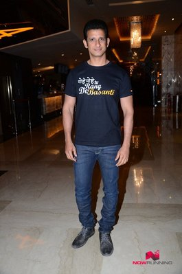 Picture 2 of Sharman Joshi