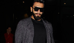 Ranveer Singh snapped at the Mumbai airport - Pictures