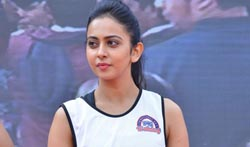 Rakul @ Fitness Unplugged - Pictures