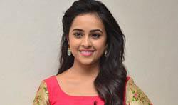 Sri Divya at Kashmora Promotions - Pictures